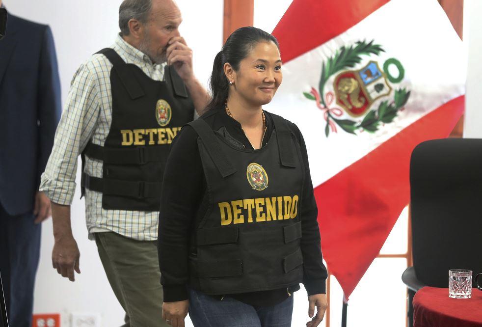 Juez suspende audiencia de prisión preventiva contra Keiko