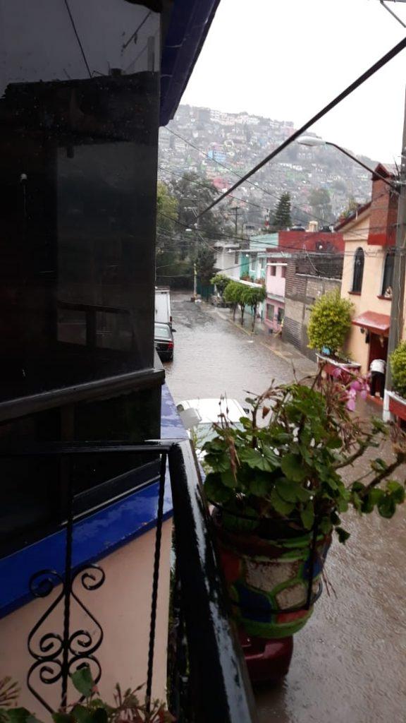 Lluvias inundan casas y avenidas en Ticomán