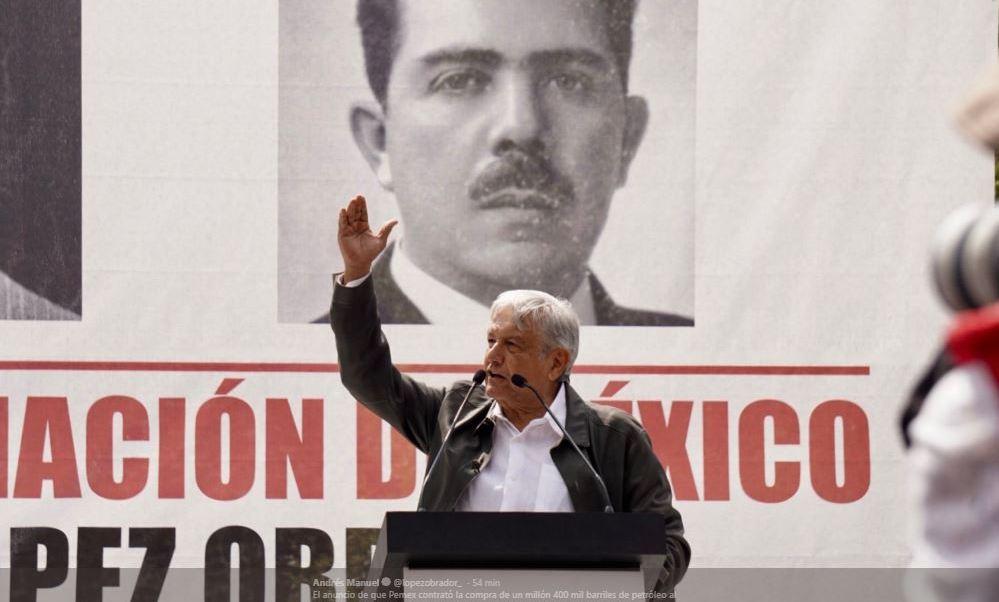 López Obrador critica compra de crudo por parte de Pemex