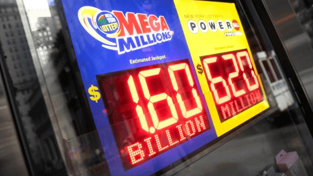 Lotería de EU alcanza cifra récord de mil 600 mdd