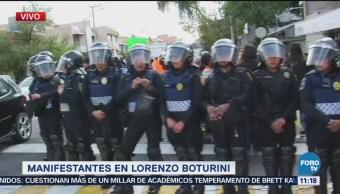 Maestros de jardín de niños bloquean Lorenzo Boturini