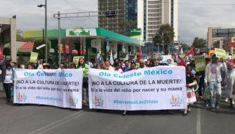 marcha contra aborto llega casa de transicion de amlo