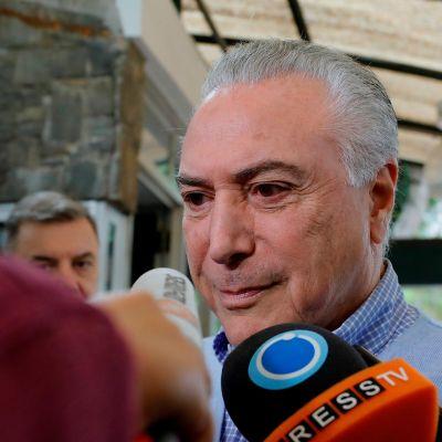 Presidente de Brasil y candidatos presidenciales acuden a votar