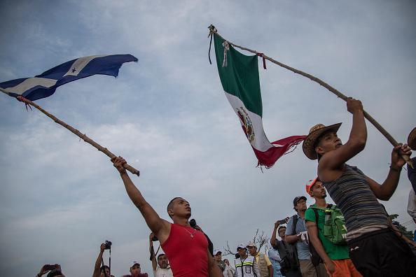 Regresan a su país 4,067 hondureños de caravana migrante