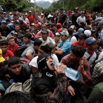 Detienen en Guatemala a organizador de caravana de migrantes de Honduras, según Reuters