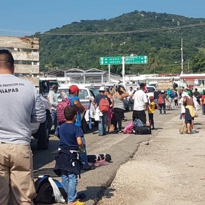 Caravana migrante llega a Arriaga, Chiapas