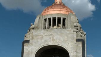 Pista Hielo Monumento Revolución Claudia Sheimbaum