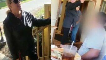 Mujer racista insulta familia turistas hablar español restaurante Virginia