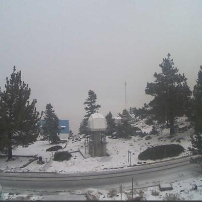 Se registra la primera nevada de la temporada en Baja California