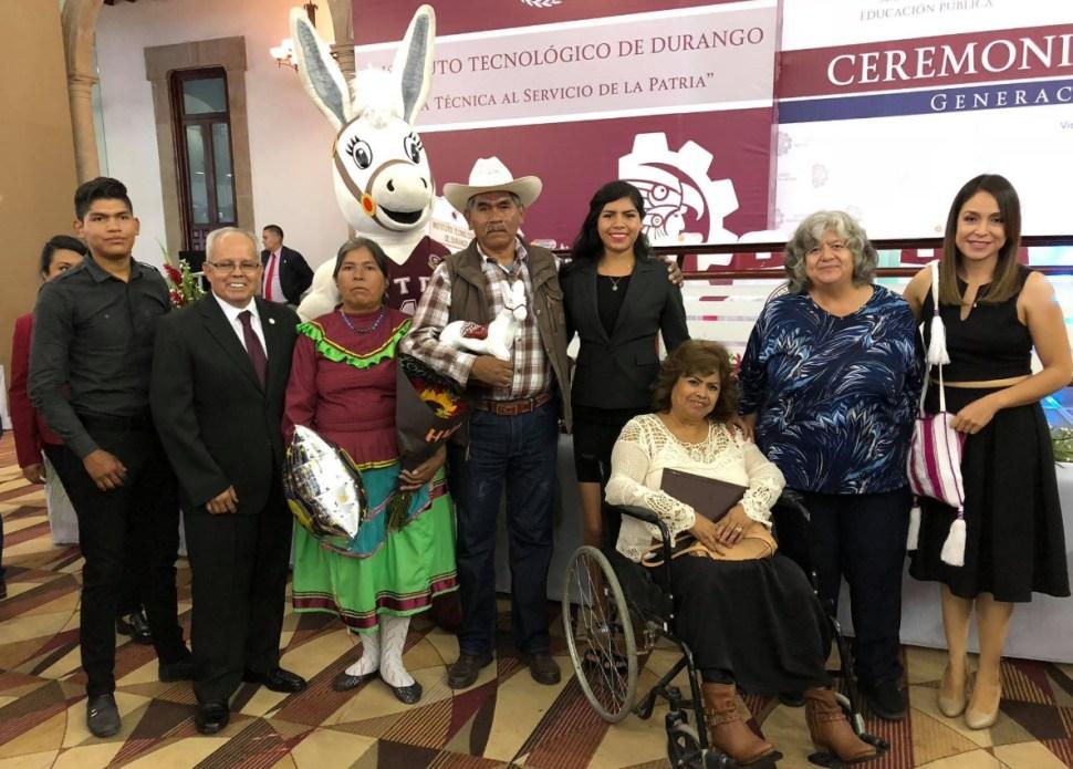 'Lo lograste', el emotivo mensaje de unos padres a su hija en Durango