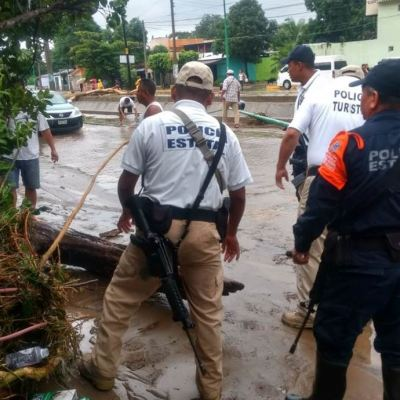 Tormenta tropical 'Vicente' provoca inundaciones en Oaxaca