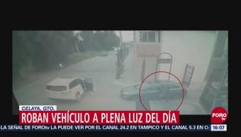 Roban vehículo en Celaya, Guanajuato