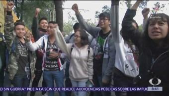 Padres y alumnos reabren plantel del CCH Azcapotzalco