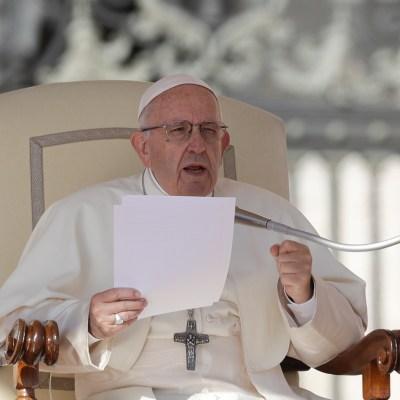 Papa expulsa del sacerdocio a dos obispos chilenos por abusos sexuales