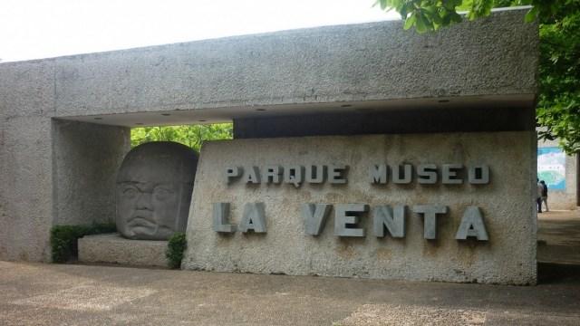 Detienen a turistas por dañar piezas arqueológicas Tabasco