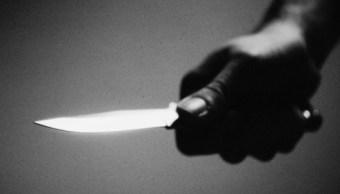 Mujer es asesinada presuntamente por su expareja