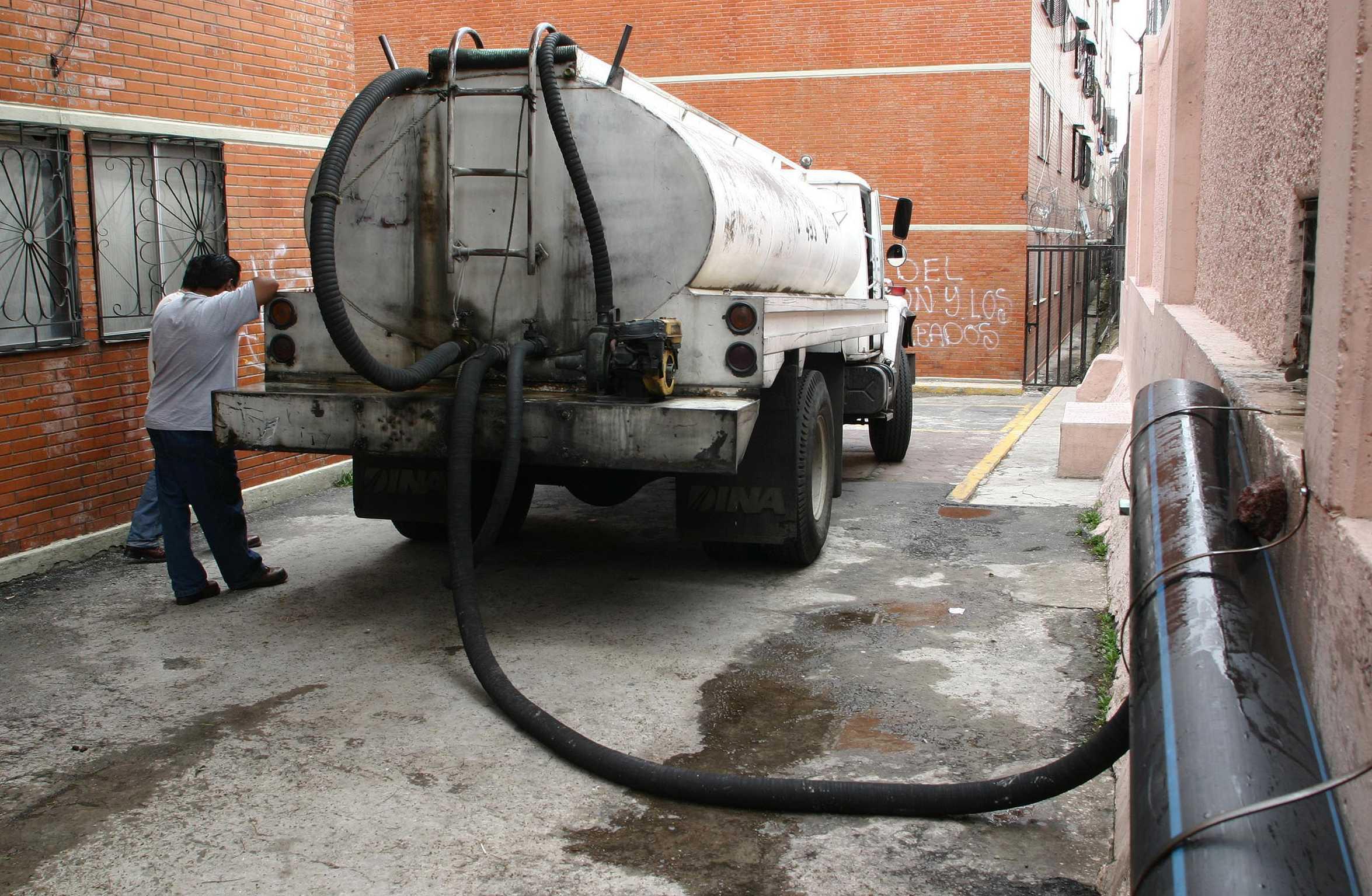 UNAM pide no entrar en pánico por corte de agua en CDMX