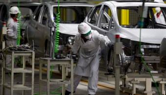 Producción de autos en México cae, exportación aumenta