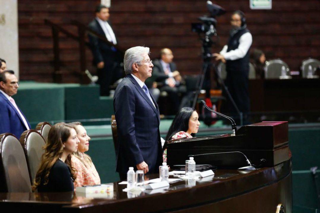 Reitera SCT inviabilidad de Santa Lucía con AICM