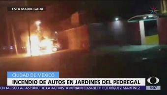 Se incendian vehículos en la colonia Jardines del Pedregal, CDMX