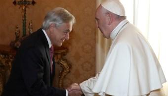 Papa y Piñera se comprometen a combatir abusos sexuales