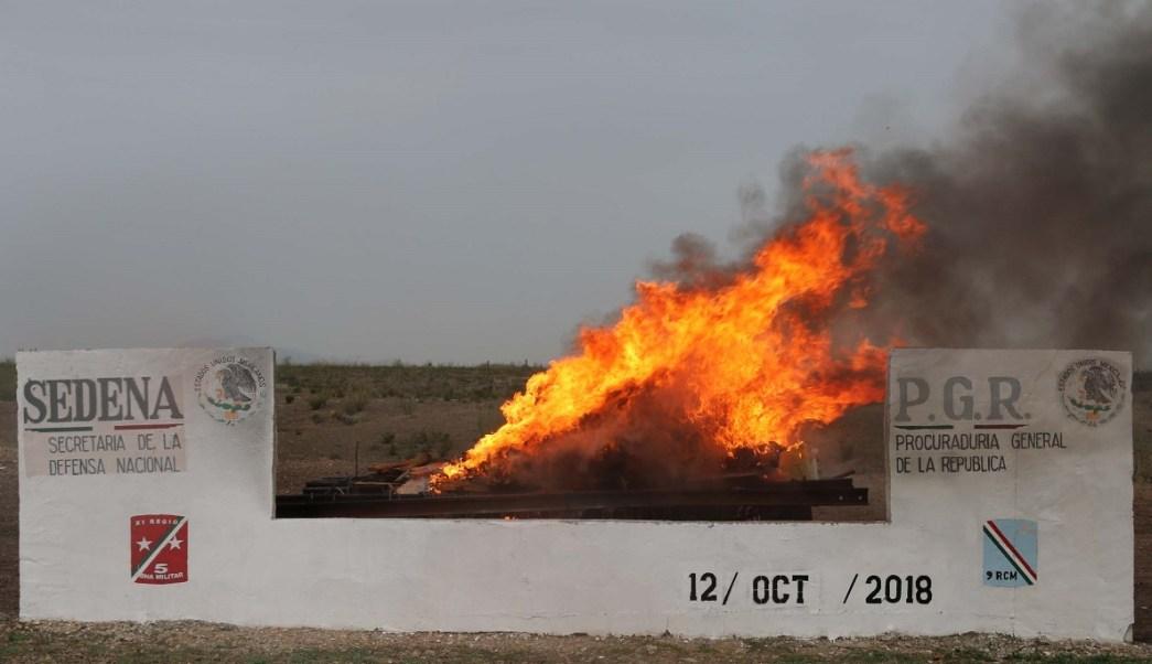 PGR incinera casi una tonelada de droga en Chihuahua