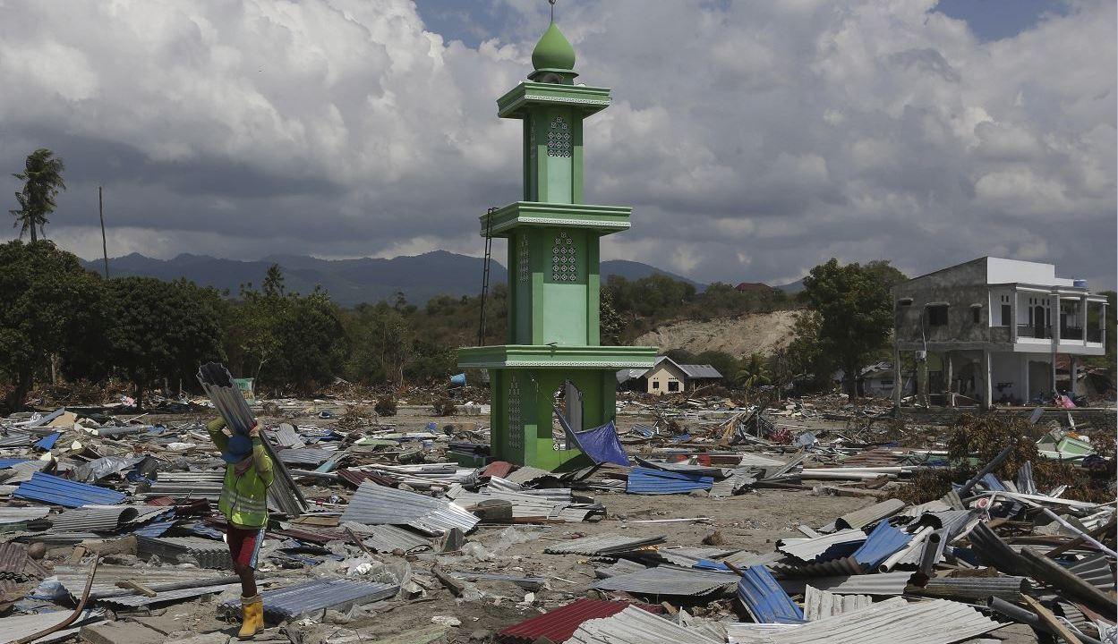 Fotos: Antes y después del terremoto y tsunami en Indonesia