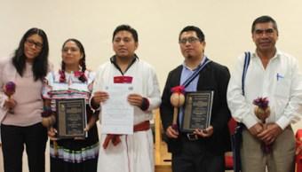 Estudiante indígena presenta primera tesis idioma tseltal