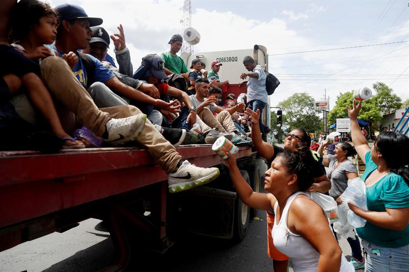Trump amenaza con enviar soldados a frontera con México