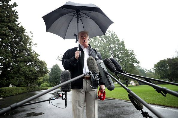 Trump dice que la agencia AP cita 'noticias falsas'