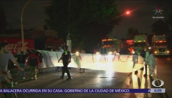 Vecinos bloquean la avenida Jesús Reyes Heroles en Tlalnepantla
