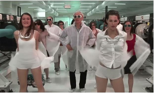 Video del Nobel de Física bailando. (https://www.theguardian.com)
