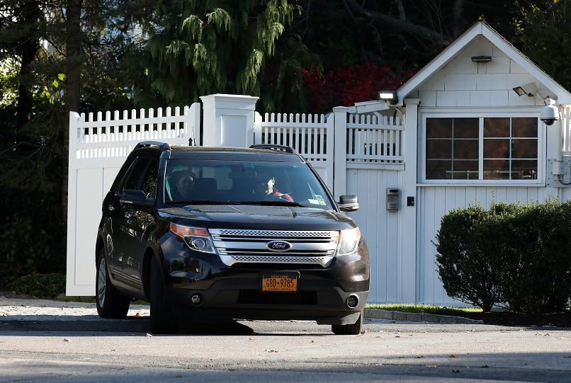Investigan paquetes sospechosos a casa de Clinton y Obama