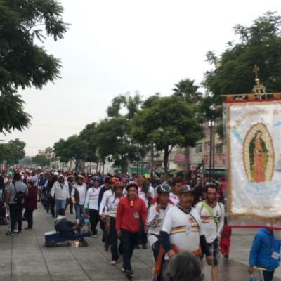 La Villa recibe peregrinación de hombres en la Basílica de Guadalupe