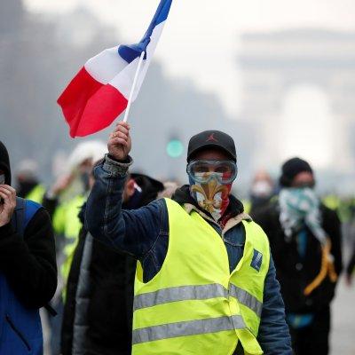Le Pen reitera su apoyo a 'chalecos amarillos' tras disturbios en París