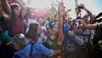 Se realizan marchas a favor y en contra de migrantes en Tijuana