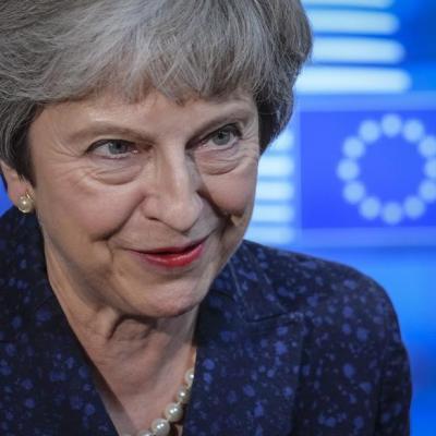 May llama al pueblo británico a respaldar su acuerdo del Brexit