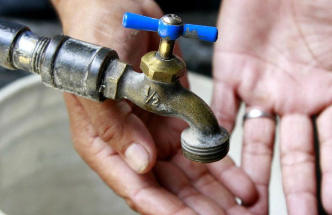 Llega el agua, pero no suficiente, en algunas zonas de la CDMX
