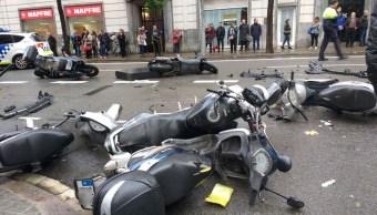 auto arrolla peatones en barcelona