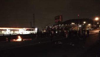autopista mexico pachuca bloquean ambos sentidos