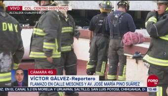Bomberos atienden flamazo en calles del Centro Histórico, en CDMX