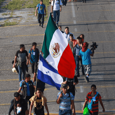 Caravana de migrantes avanza de Oaxaca a Veracruz