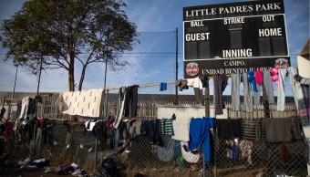 Caravana migrante provoca suspensión de clases en escuela de Tijuana