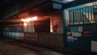 CCH Azcapotzalco denuncia incendio por actos vandálicos