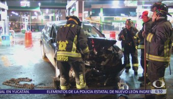 Choca camioneta en gasolinería de la alcaldía Azcapotzalco