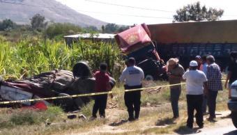 Choque en Oaxaca deja cinco muertos