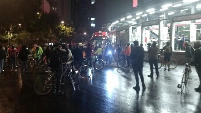 ¡No más muertes!, exigen ciclistas en la CDMX