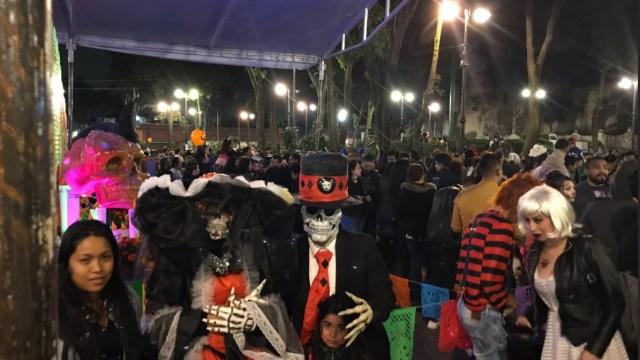 Día de muertos reúne seres del más allá en Coyoacán