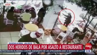 Dos heridos de bala por asalto a restaurante en Guadalajara