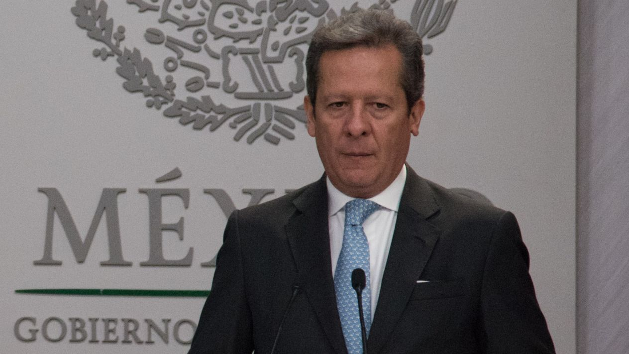 Eduardo Sánchez Hernándes, encargado de la comunicación de Presidencia, optó por intentar desviar la atención de los escándalos que rodearon al Presidente durante su sexenio (El Financiero)